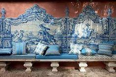gaston y daniela- Portugal Blue Tiles, White Tiles, Decor Interior Design, Interior Decorating, Gaston Y Daniela, Canadian House, Portuguese Tiles, Banquette, Real Estate Houses