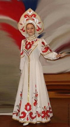 Russian Traditional Dress, Traditional Dresses, Russian Beauty, Russian Fashion, Pretty Outfits, Beautiful Outfits, Fantasy Dress, Folk Costume, Folklore