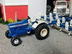 1/64 FORD 8000 Toy Trucks, Fire Trucks, Monster Trucks, Toy Display, Farm Toys, Ford News, New Holland, Diesel Trucks, Toys For Boys