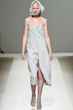 Max Mara Spring 2014 Ready-to-Wear - Collection - Gallery - Style.com