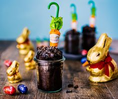 Individual Spiced Chocolate Mud Cakes with Lindt Carrots | A chocolatey Easter recipe made with hot cross bun spices.