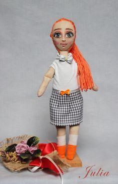 Lala szmacianka, Julia w spódniczce