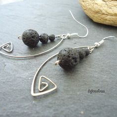 Boucles d'oreille acier et petites perles en lave