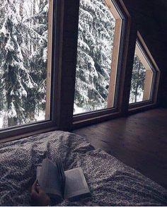 Hygge Einrichtungsstil: New Scandinavian Tenden . Hygge, Bedroom Windows, House Windows, Window View, Winter Photography, Photography Ideas, Fashion Photography, Wedding Photography, Photography Aesthetic