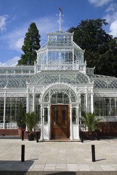The Horniman Museum - 100 London Road, Forest Hill, London :: UK Victorian Greenhouses, Sculpture Metal, Pool Houses, Glass Houses, Exterior, Beautiful Buildings, Architecture Details, Botanical Gardens, Gazebo