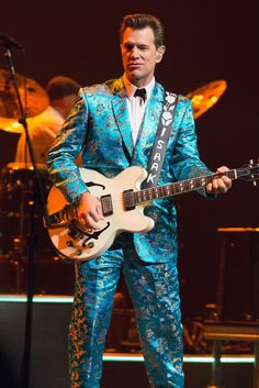 Chris Isaak Photos - Musician Chris Isaak performs during day seven of 2013 Festival International de Jazz de Montreal on July 2013 in Montreal, Canada. Chris Isaak, Jazz, Sammy Hagar, Mgm Grand Garden Arena, Acoustic Music, Old Rock, Photo L, Rock And Roll, Singer