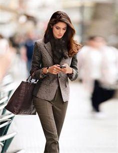 Walk Blazer in two-tone look, slim pants with decorative zipper
