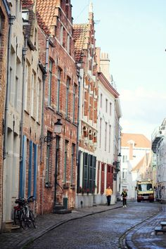 explore. dream. discover. (my favorite Europe lifestyle/travel blog)  Bruges, Belgium