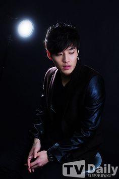 """Handsome Sunbae"" Kang Ha Neul ♡ // The Choi Jin Hyuk, Kang Min Hyuk, Hot Korean Guys, Korean Men, Korean Idols, Korean Drama, Asian Boys, Asian Men, Kang Haneul"
