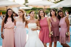Come scegliere le damigelle d'onore Bridesmaid Dresses, Wedding Dresses, Wedding Locations, Wedding Makeup, Wedding Hairstyles, Wedding Photos, Fashion, Bride Maid Dresses, Bride Gowns