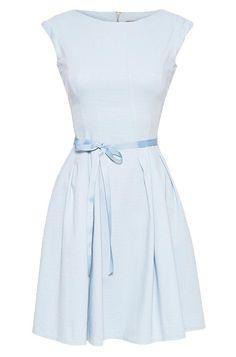 Kleid mit Taillen-Bändchen