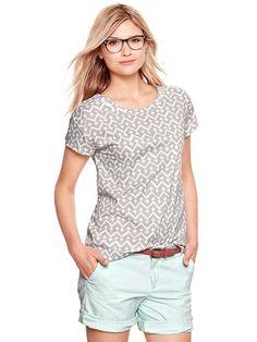 Gray chevron scoop t-shirt
