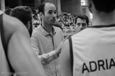 El entrenador del #CBLucentum #KukoCruza confirmó en rueda de prensa un rumor extendido: el club incorporará a un pívot capaz de jugar por encima del aro, y el jugador estará en Alicante mediada la próxima semana, por lo que podrá debutar en la jornada 1 de #AdeccoPlata. 28 de septiembre de 2014. #Baloncesto #Basket #Alicante #AmicsCastello Alicante, Club, Couple Photos, Couples, Basketball, September, Training, Pictures, Couple Shots