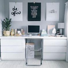Δύο KULLEN μπουφέδες δίπλα-δίπλα με μία επιφάνεια από πάνω φτιάχνουν ένα πολύ ωραίο γραφείο με πολλούς αποθηκευτικούς χώρους.