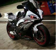 Our customer's install pictures of Yamaha YZF R6  headlight 2008-2014 V2 http://www.ktmotorcycle.com/yamaha-yzf-r6-optical-fiber-custom-headlight-assembly-2006-2007-v2-integrated-with-turn-signal-function.html