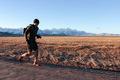Ruck Military Workout, Daily Workouts, Outdoor Recreation, Kettlebell, Triathlon, Body Weight, Monument Valley, Board, Fitness