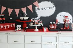 Liebesbotschaft: Superhero Party + Candy Buffet