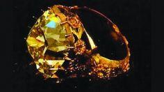 Anel Origem: Portugal, 2ª metade do séc. XVIII Materiais: Ouro, Prata, Brilhantes Pertença de D. João VI. Roubada em Dezembro de 2002, na cidade de Haia, na Holanda.