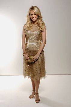 Carrie Underwood looking ADORABLE! ;)