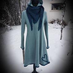 """Tone-Lise Våge på Instagram: """"Deilig fleece kjole med hette og heklet pynt😊 str S, kr 849,- +porto ved sending. #morsdag #valentines #fleecekjole #fleece #godogvarm…"""" Dresses With Sleeves, Long Sleeve, Sweaters, Fashion, Moda, Sleeve Dresses, Long Dress Patterns, Fashion Styles, Gowns With Sleeves"""