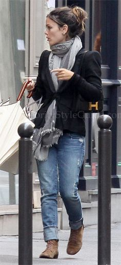 Rachel Bilson. Love the blazer/scarf/jeans combo, but wish she wore the scarf differently...
