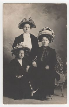 RPPC/ Three Well Dressed Ladies in Fancy Hats, Canby, MN circa 1900