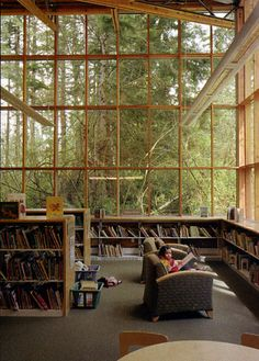 How awesome would it be to curl up with a book in this room? Especially while it's raining!