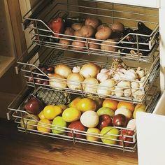 """27 curtidas, 1 comentários - Apartamento 801 (@_decorandonossoape) no Instagram: """"Gostei!  #inspiração #pinterest #organização #fruteira #verduras #planejados"""""""