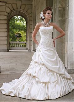 Strapless Neckline Natural Waistline A-line Wedding Dress