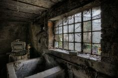 Abandoned buildings photography by Vincent Jansen 7