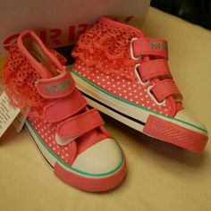 READY STOCK KIDS CANVAS SHOES KODE : Pink Lace Polka Size 27,28 PRICE : Rp 200.000,- AVAILABLE SIZE : - Size 27 (16,5cm) - Size 28 (17cm)  FOR ORDER : SMS/Whatsapp 087777111986 PIN BB 766a6420 FB : Mayorishop  #pusat #sepatu #anak #import #cute #renda #canvas #boots #prepet #velcro #pink #polka #kids #shoes #ready #stock #mayorishop #online #bogor