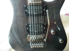 HOHNER HR1000 Electric Guitar / Black Super Strat/ Thru Neck (05/05/2012)