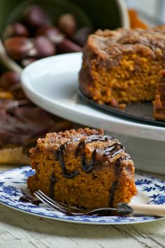 Pumpkin Crumb Cake  http://morethanburnttoast.blogspot.com/2013/11/pumpkin-crumb-cake-type-of-torta-di.html