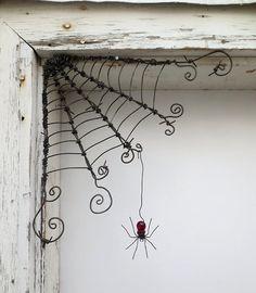 18 Odd Twisted Barbed Wire Corner Spider Web by thedustyraven 18 ungerade verdrehte Stacheldraht Ecke Spinnennetz von thedustyraven Wire Crafts, Metal Crafts, Diy And Crafts, Arts And Crafts, Halloween Crafts, Halloween Decorations, Halloween Spider, Sculptures Sur Fil, Wire Sculptures