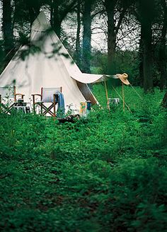 Used to spend summers in a teepee like this with a pine drop leaf table in front and an old oriental rug on the earthen floor.  Had an outdoor kitchen & taught myself Indian cooking one summer.  Very cool experience.
