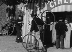 Jour de fête de Jacques Tati (1949) - Analyse et critique du film - DVDClassik