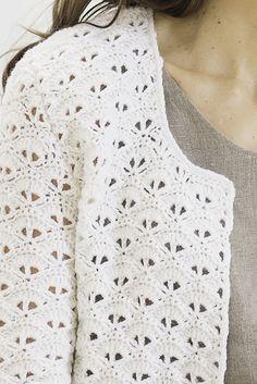 Naisen virkattu jakku Novita Wool | Novita knits