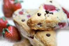 Scones with strawberries and chocolate chips {Gluten-Free, Vegan}