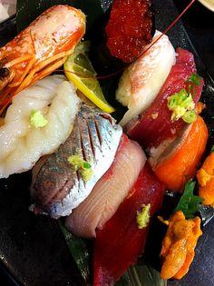 お寿司♥ Sushi Love, My Sushi, Best Sushi, Seafood Dishes, Fish And Seafood, Seafood Recipes, Japanese Sashimi, Japanese Food, Wine Recipes