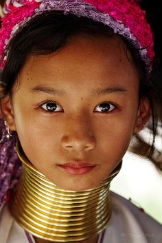 Portrait of beautiful young Kayan by DocBudie, via Flickr