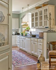 Decorating With Cream Kitchen Cabinets. Contemporary Yet Transitional Style Kitchen With White . Home and Family Cream Colored Kitchens, Cream Colored Kitchen Cabinets, Antique Kitchen Cabinets, Kitchen Cabinet Colors, Kitchen Colors, Green Kitchen Walls, Cream Cabinets, Cream Kitchen Paint Ideas, Shabby Chic Kitchen Cabinets