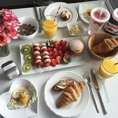 Planning A Perfect Breakfast Romantic Breakfast, Perfect Breakfast, Breakfast Ideas, Breakfast Bread Recipes, Food Goals, Aesthetic Food, Food Cravings, Food Presentation, Food Inspiration