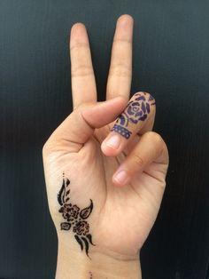 #hennaartist#hennabali#hennamehendi#hennawedding#hennaart#hennabridal#hennadesign#hennartistprofessional#purehenna#organichennaingredients#latesthennadesign#communityhennaartist#hennaya#hennaclub#besthenna#gorgeoushenna#indonesianhennaartist#hennaparty# Hi everyone,,,, Henna design is very popular in Middle East,India that meaning is happiness or for celebration,before the bride getting married they paint in arm and leg with henna design.And now even in Indonesia henna is very popular.