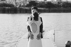 Boda junto al lago. Vestido de @Otaduy #boda #lago #wedding #bodaespecial #otaduy #weddingdress #couple