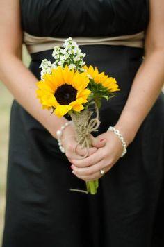 Sunflower bouquet- outdoor wedding -- for my bridesmaids :)