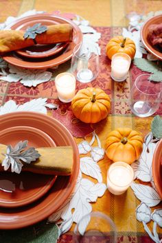 Thanksgiving table inspiration featuring the Fiesta dinnerware in tangerine. & Set a beautiful Thanksgiving dinner table with this Rustic ...
