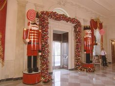 White House Christmas Through the Years: A Presidential Photo Album : Decorating : HGTV