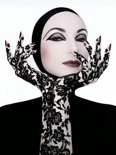 Serge Lutens (born 14 March in Lille, France) is a French photographer, filmmaker, hair stylist, perfume art-director and fashion designer. Editorial Fashion, Fashion Art, Fashion Design, Serge Lutens Makeup, Art Photography, Fashion Photography, Dramatic Makeup, French Photographers, Foto Art