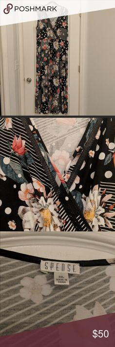 🖤🌼Mixed Print Maxi Dress🌼🖤 Mixed Print Maxi Dress  This dress is so soft and pretty! I was hoping my 3x body could make it work, but it's a true 2x😏🙃😊  🎊🎁FREE GIFT with this purchase!🎁🎊 Spense Dresses Maxi
