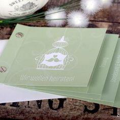 Hier findet ihr eine große Auswahl an tollen Hochzeitseinladungen. Lasst euch von unserer riesigen Bildergalerie für Einladungskarten inspirieren!